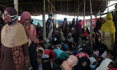 300 Rohingya Stranded at Sea For six Month, Landed in Indonesia Beach